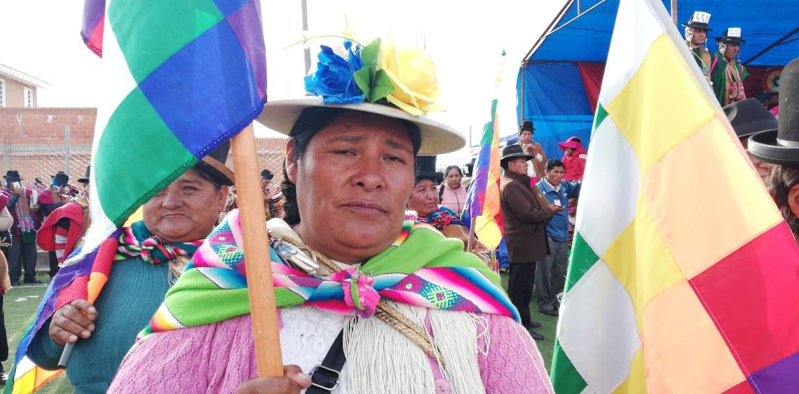 La Federación Bartolinas de La Paz exigen que se garantice la provisión de sus productos .
