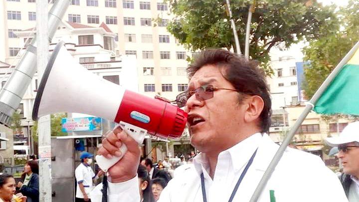 Photo of Sindicatos Médicos de La Paz aseguran que Luis Larrea no tiene el perfil profesional para ser Viceministro