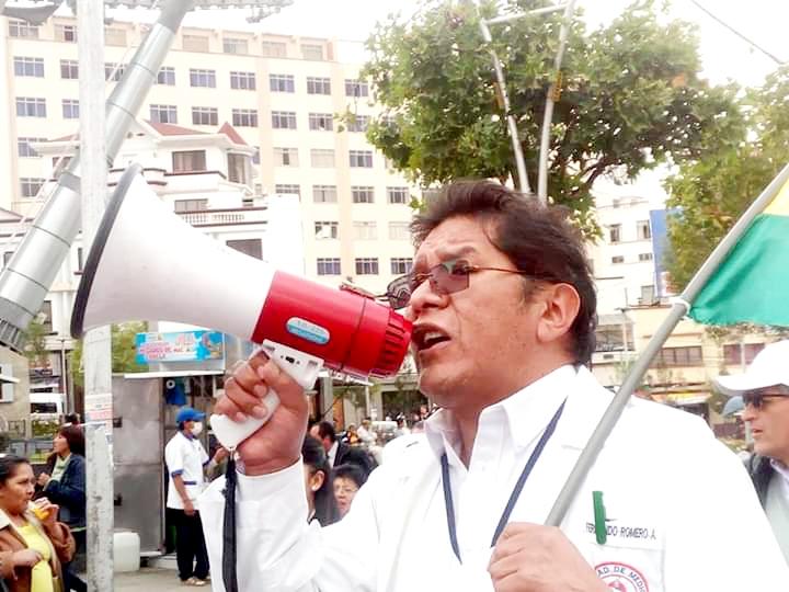 Sindicatos Médicos de La Paz aseguran que Luis Larrea no tiene el perfil profesional para ser Viceministro