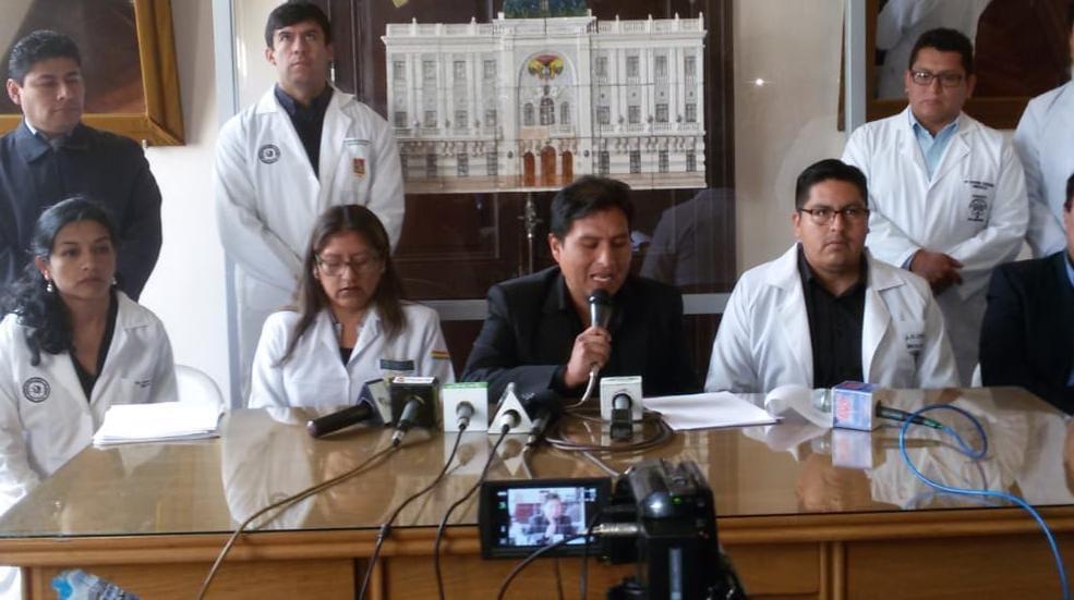 La Confederación Medica de Bolivia emplazó al ministerio de salud a utilizar 23 laboratorios para las pruebas  del  COV-19