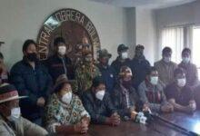 Photo of Campesinos y Obreros recuperaron en las calles la democracia y Bolivia tiene un Gobierno legitimo.es el hecho mas importante de la gestión 2020 a criterio de las organizaciones sociales