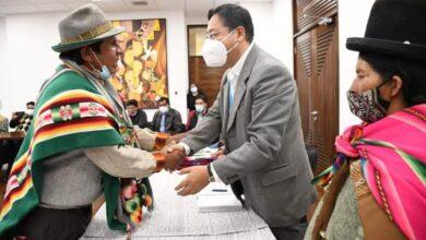 Photo of El Presidente Luis Arce Catacora recibió la visita de representantes del CONAMAQ para transmitirle energías positivas de la pachamama para que gobierne