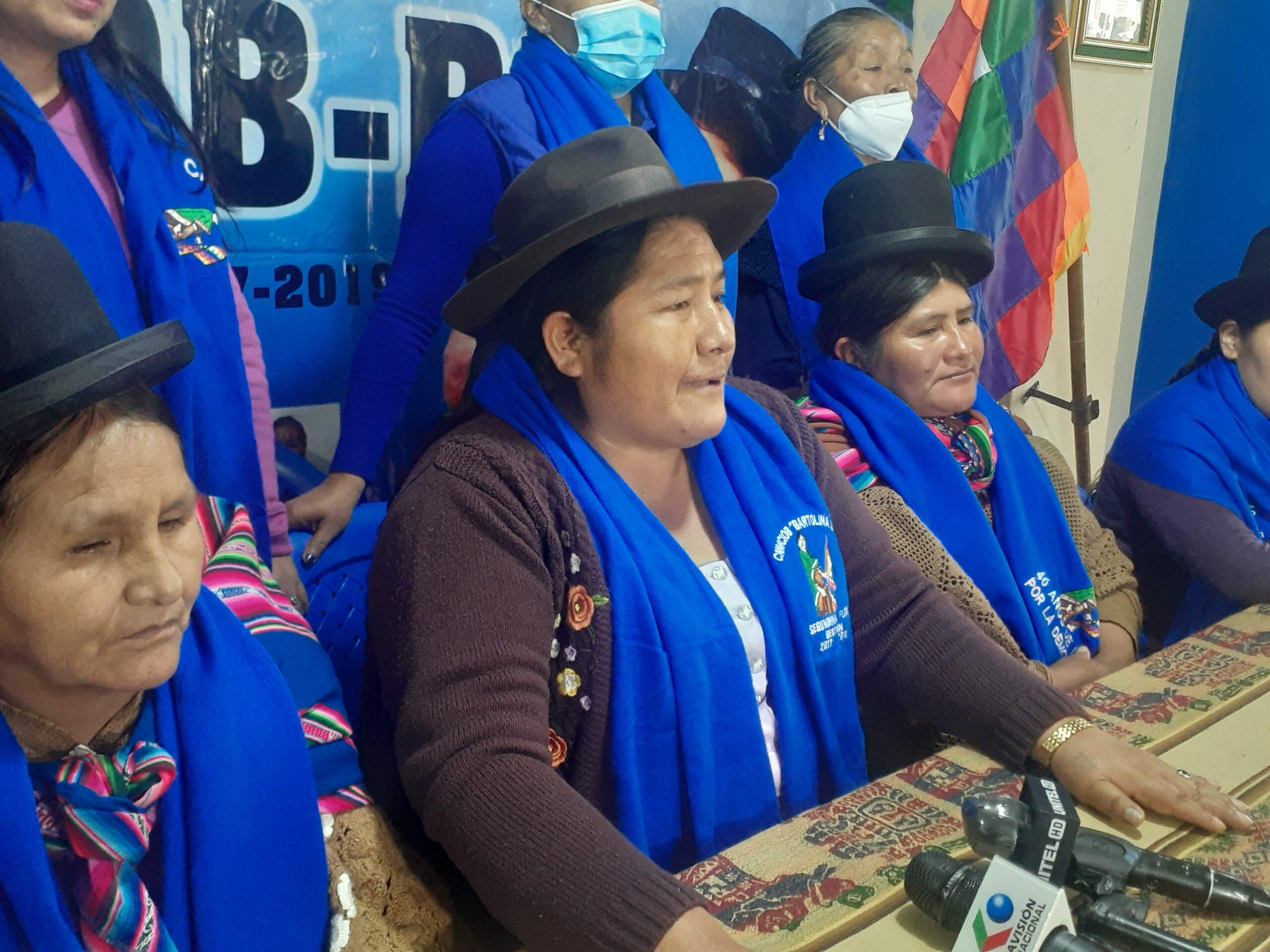 La Confederación de Mujeres Bartolinas Sisa exigen una purga dentro del Gobierno para barrer a las pititas