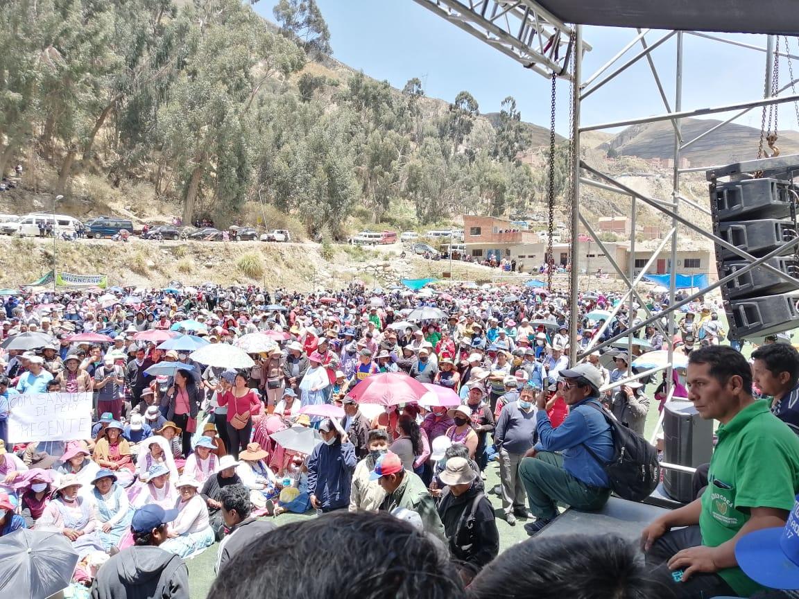 Los Yungas expulsa a la derecha retorna la wipala y productores cocaleros reafirman Unidad en apoyo al proceso de cambio