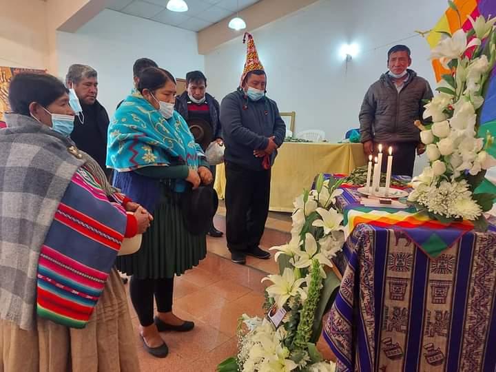 La CSUTCB y Confederación de  Mujeres Bartolina Sisa declararon duelo Nacional por la muerte de Felipe Quispe quien contribuyó a la recuperación de la democracia