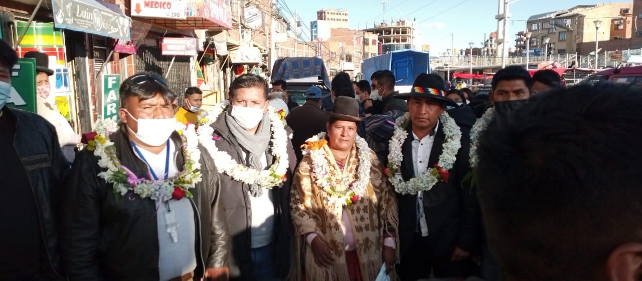 """Los autoconvocados de ciudad de El Alto crearon una nueva organización social llamada los """"markachiris"""" integrado por nuevos dirigentes sociales"""